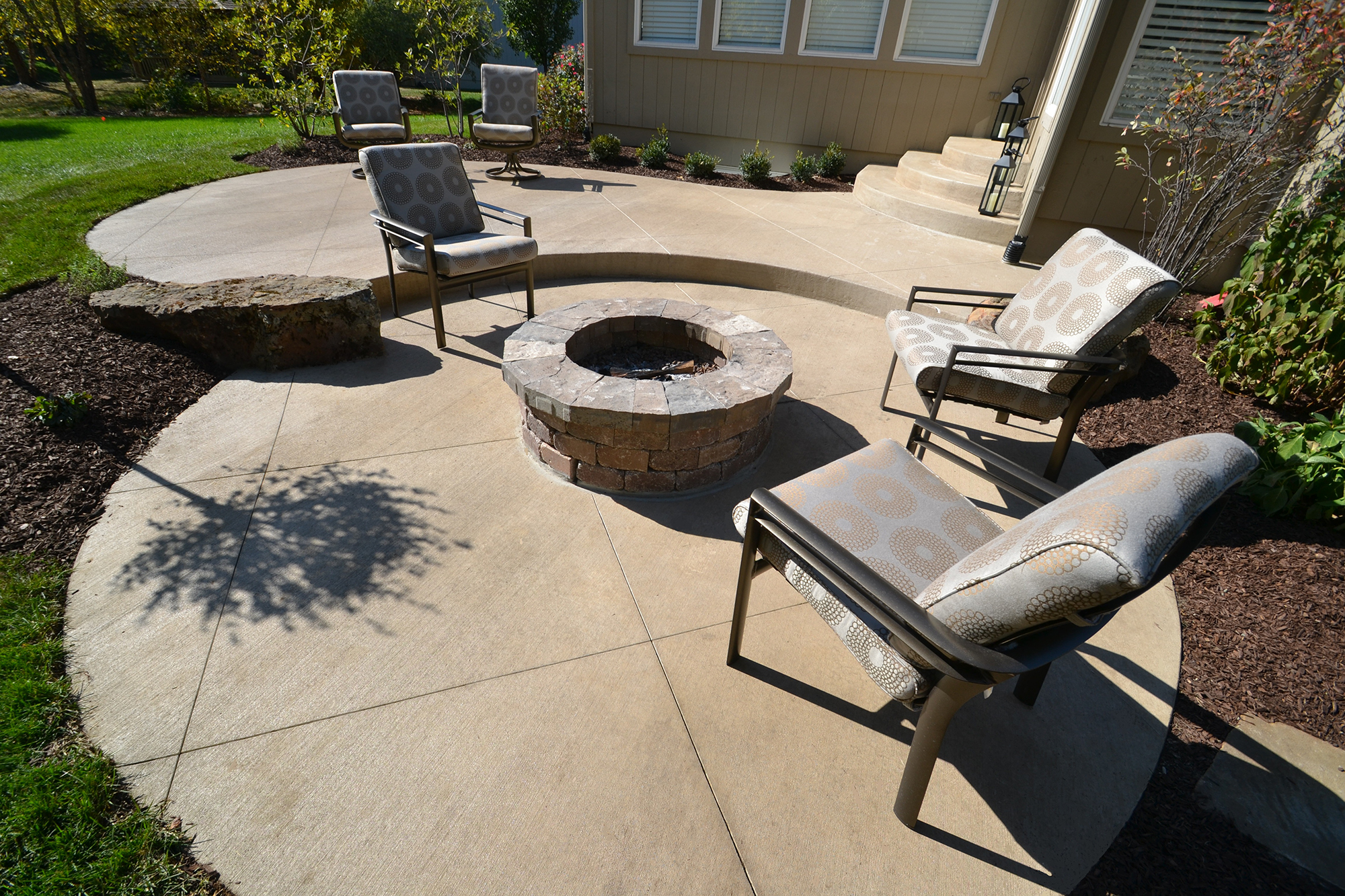 Aesthetic Concrete Designs produces custom concrete designs for your patio or other outdoor space.